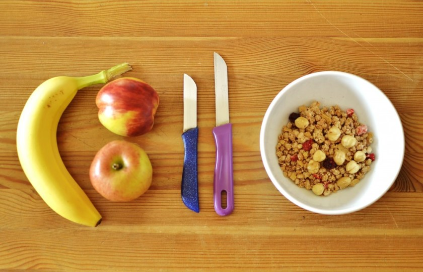 Breakfast fruits with decent knives