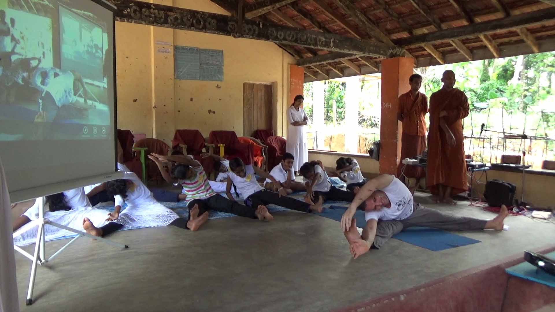 Sati Camp at Meethirigala Kanishta Vidyalaya-yoga session (21)