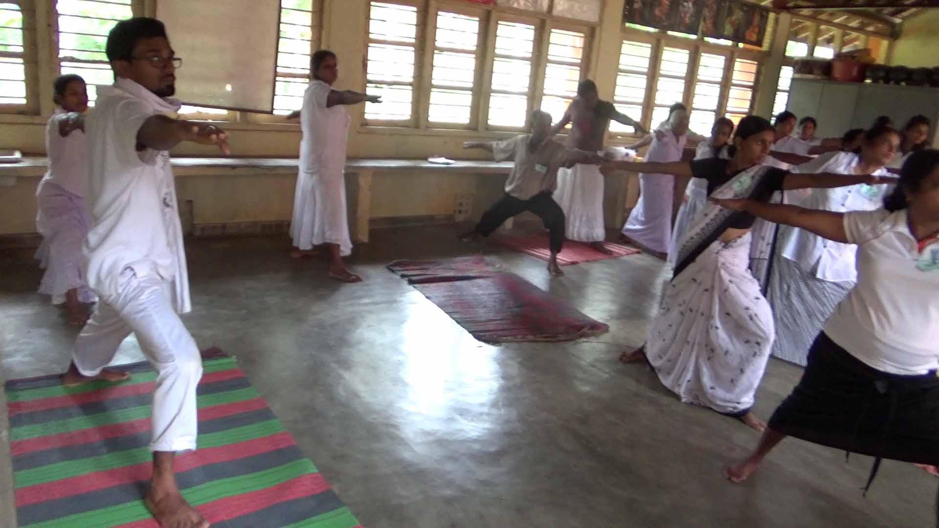 Sati Camp at Meethirigala Kanishta Vidyalaya-yoga session (29)