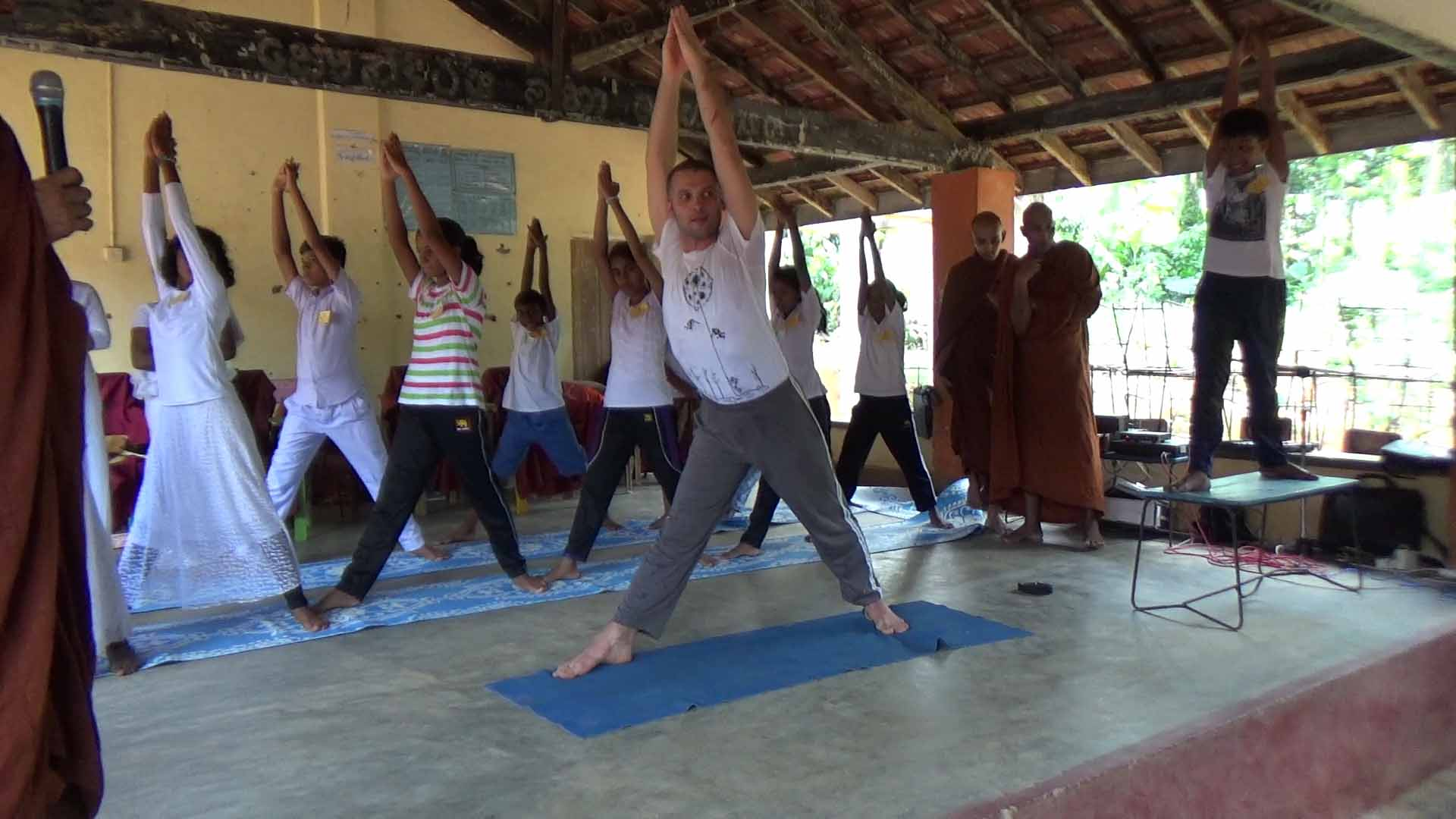 Sati Camp at Meethirigala Kanishta Vidyalaya-yoga session (4)