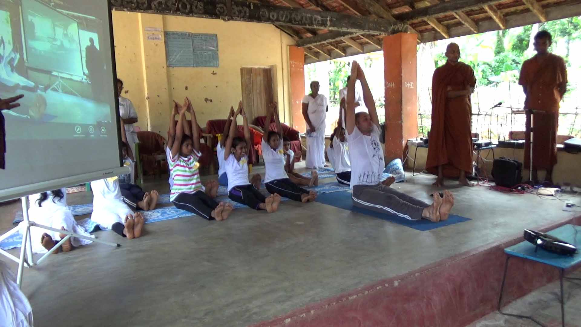 Sati Camp at Meethirigala Kanishta Vidyalaya-yoga session (7)