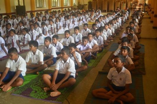 Thawalama Vidyaraja National School Grade 8 & 9 Students Practiced Mindfulness (6)