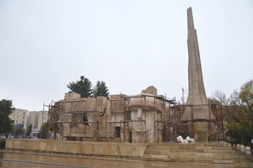 monumentul-eroilor-carei