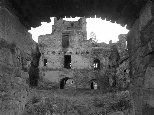 La pas printre ruine … (galerie foto)