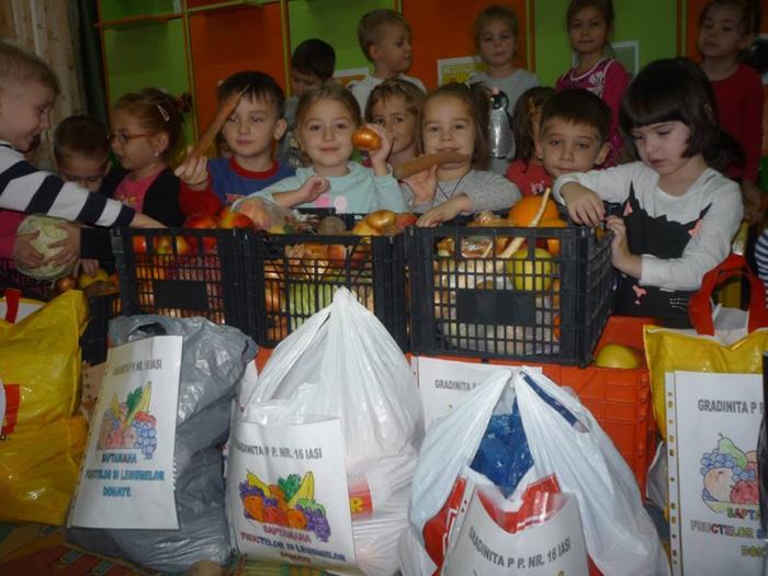 Tone de alimente donate de către elevi și preșcolari