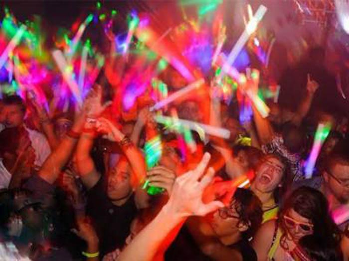 Nereguli la cluburile și discotecile din Satu Mare. Pompierii au dat amenzi