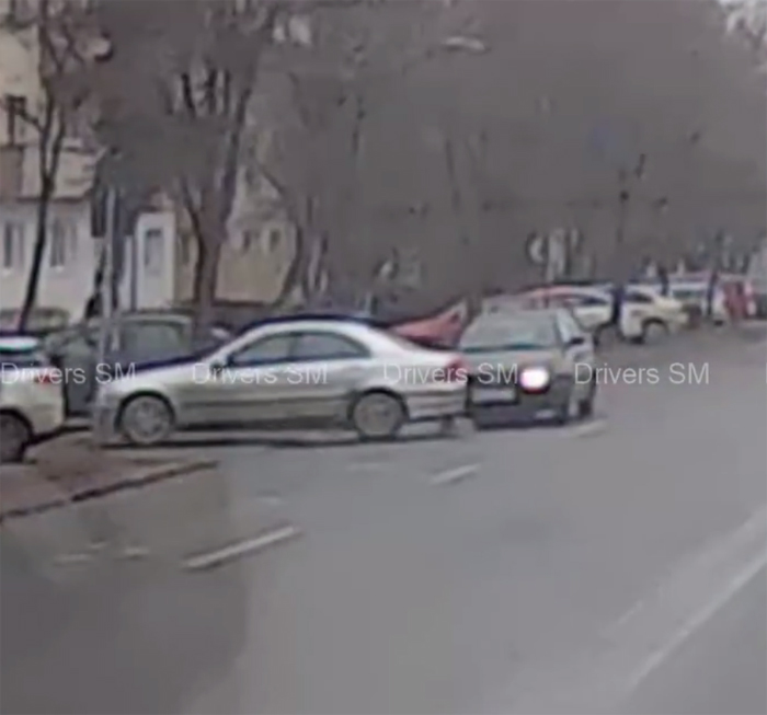 Accident surprins live pe B-dul Lucian Blaga (Video)