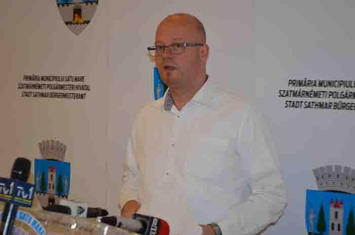 """Kereskenyi Gabor: """"Se lucrează la reabilitarea străzilor din oraș"""""""