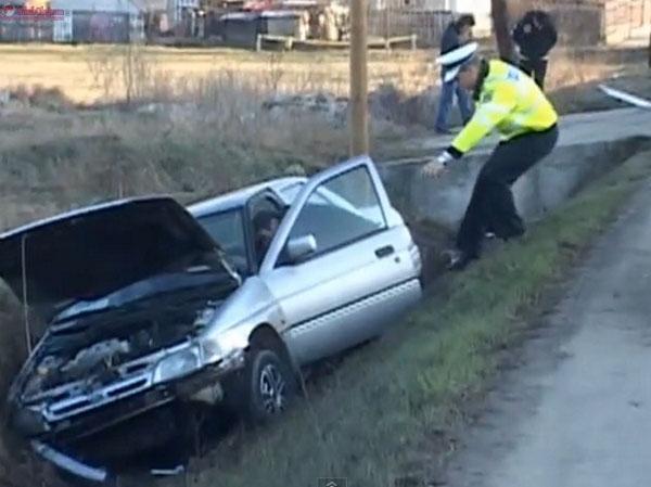 Sătmăreni, implicați într-un accident în județul Bihor. Femeie, transportată la spital