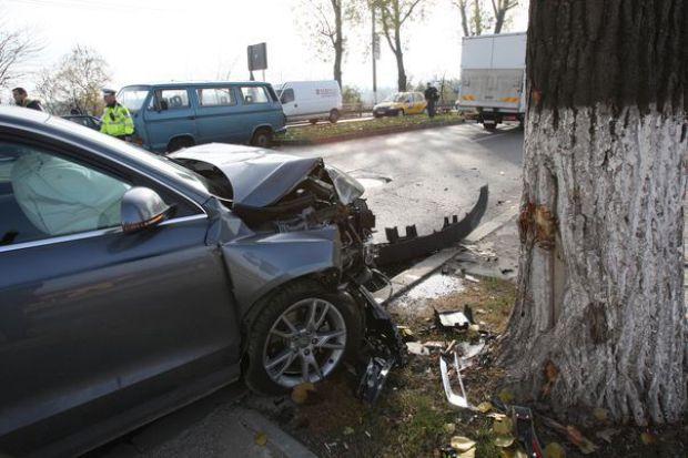 Accident cu un rănit. Șoferul era mort de beat