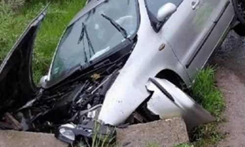 S-a izbit cu mașina de un cap de pod