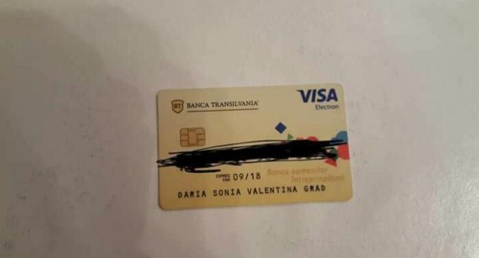 Card găsit la un bancomat. Proprietara, căutată pe Facebook