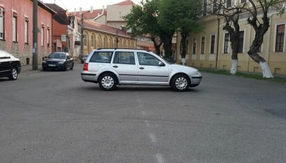 Noaptea minții ! Cea mai tare parcare ! (Foto)