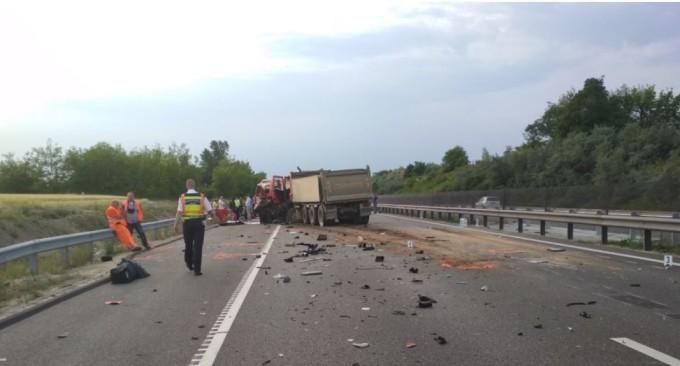 Pericol public ! Detalii cutremurătoare despre şoferul care a produs accidentul cu nouă morţi în Ungaria