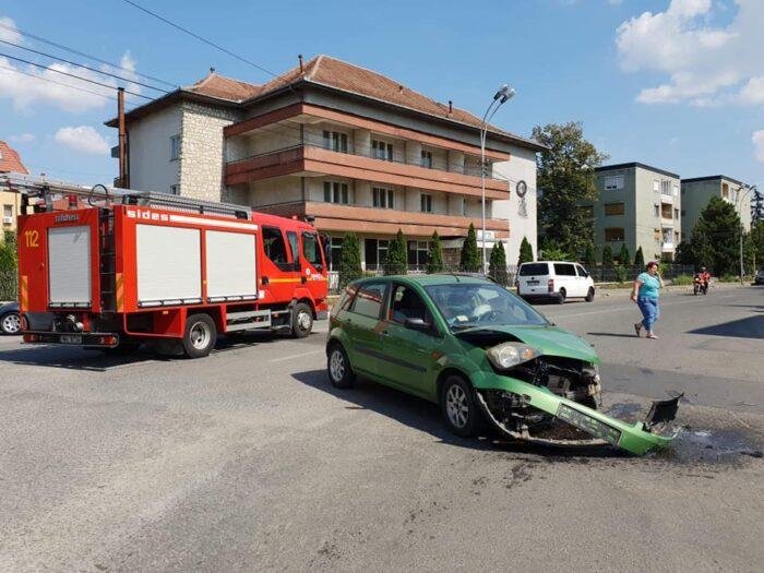 Accident in municipiu. Un tanar de 19 ani, ranit grav (Foto)
