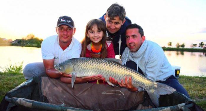 Sunt pescari nelăsați de neveste la pescuit. Mulți alții merg adesea cu copiii lor (galerie foto&video)