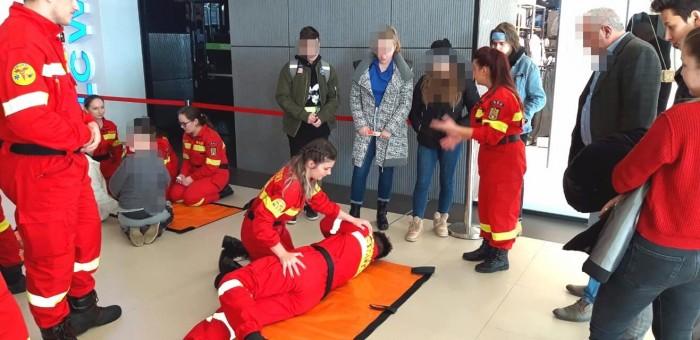 Ziua voluntariatului sărbătorită prin muncă de salvatorii ISU Satu Mare
