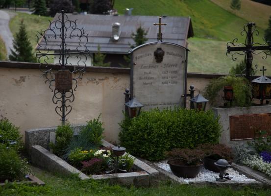 Heiligen Blut - hautausmaa-12