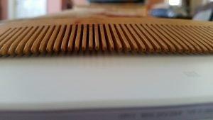 Mr Sunnah Long Wooden Comb teeth.