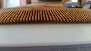 Mr Sunnah Long Wooden Comb teeth.