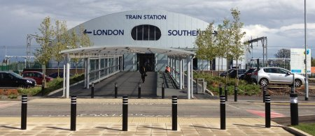 London Southend Airport train station