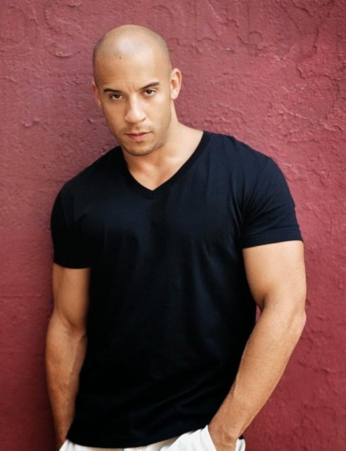 Gaya rambut plontos ala Vin Diesel