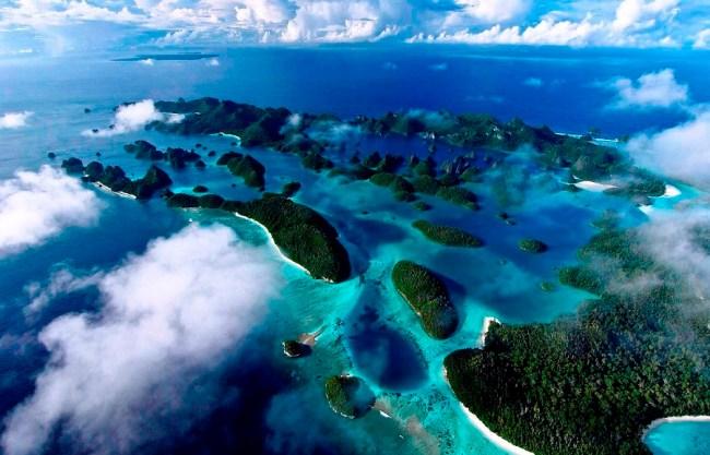 Pemandangan raja ampat Pulau Wayag