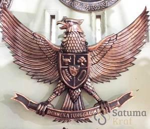 lambang garuda dari tembaga