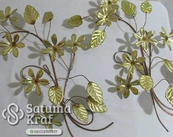 hiasan dinding bentuk daun bahan tembaga