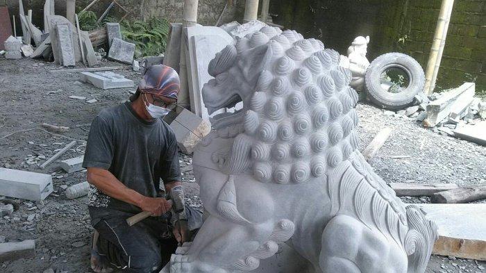 pengrajin patung
