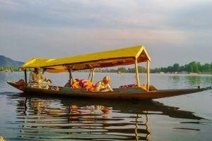 कश्मीर की डल झील