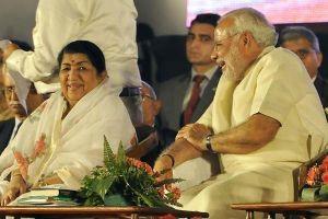 लता मंगेशकर के साथ नरेंद्र मोदी