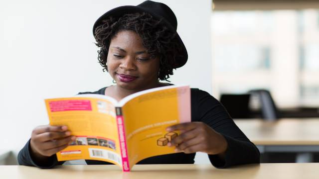 What are 7 benefits of reading books?