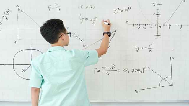 What is the Objectives of teaching Geometry?