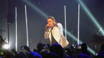 "Mark Owen singt ""Stars"" im Gibson Club Frankfurt."