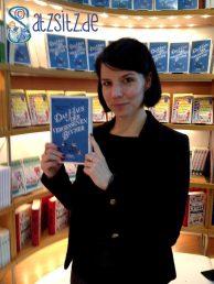 Karla Paul am Stand des Hoffmann und Campe Verlags auf der Frankfurter Buchmesse 2014