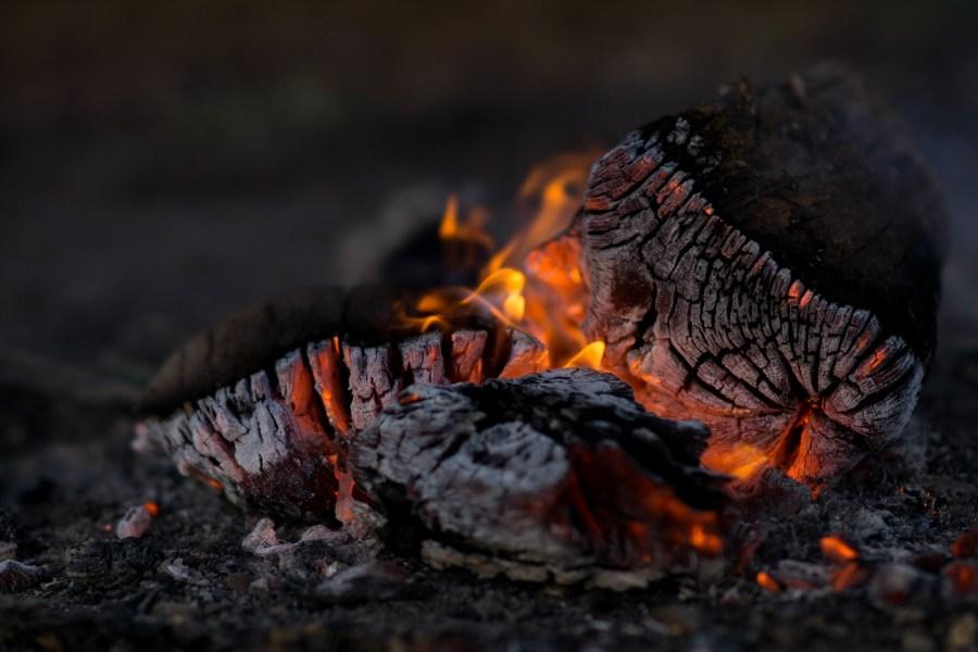 Aschesauger brennende Asche