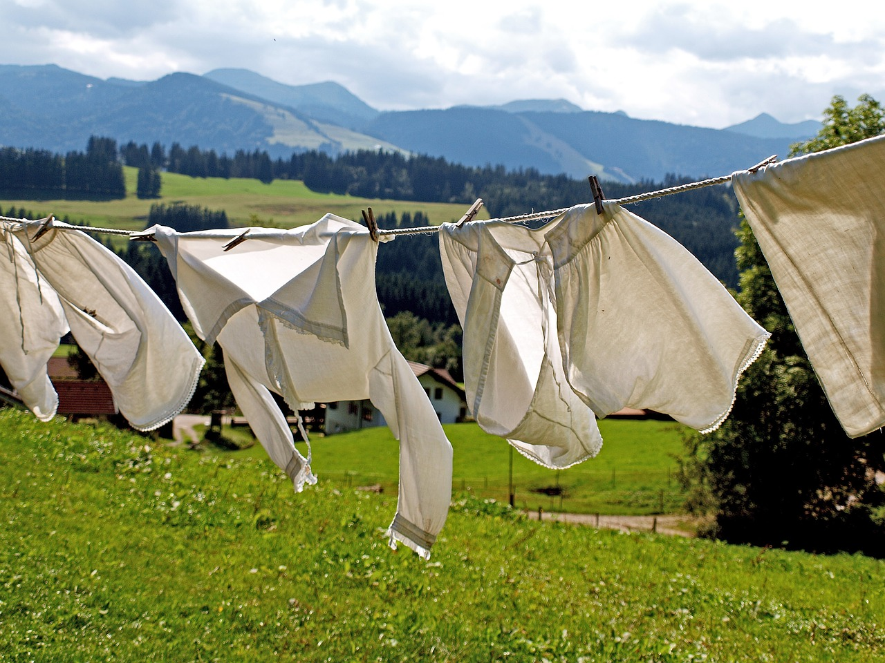 So eine Wäscheleine muss einiges aushalten, schließlich werden sie bei starkem Wind stark beansprucht.