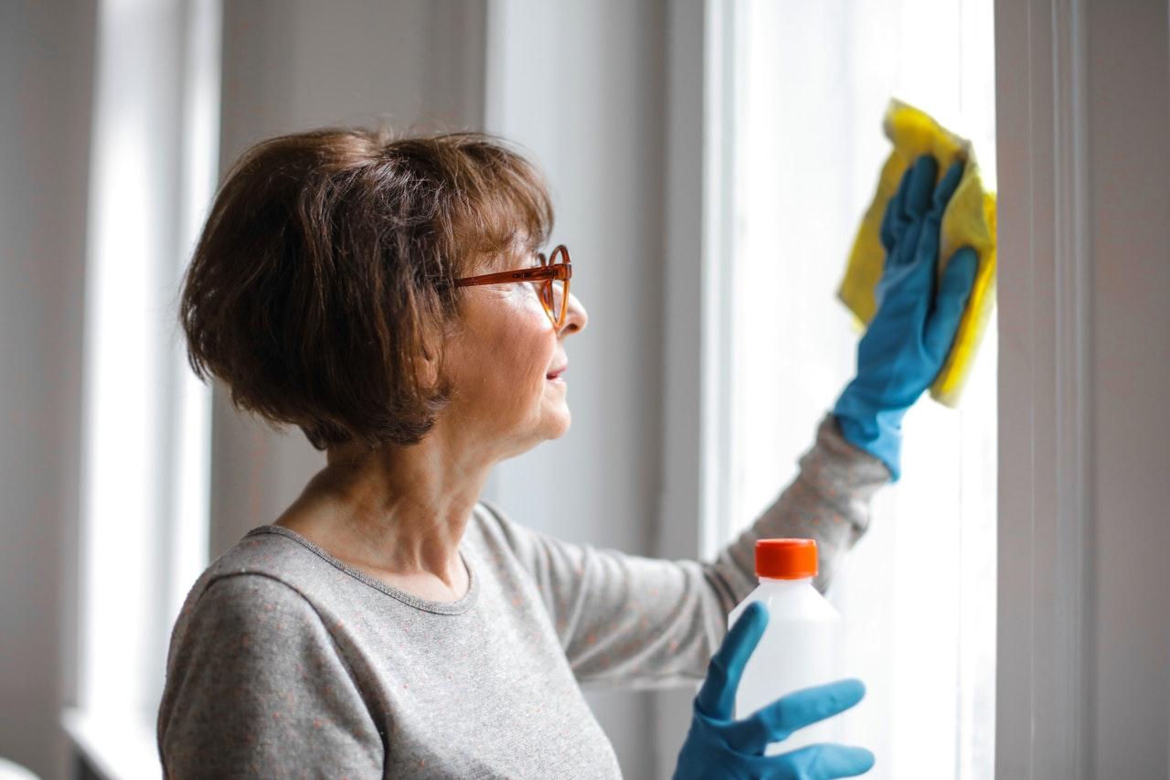 Mit einem Fensterputzroboter musst Du nie mehr mühevoll Deine Fenster putzen.
