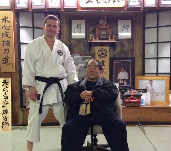 Sensei Fernando Soto junto a Sensei Fumio Demura. CA, USA febrero 2016.