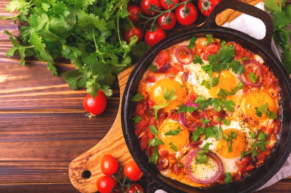Traditional Shakshuka Recipe - Sauder' Eggs