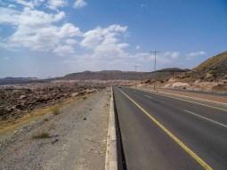Road between Abha and Dhahran Al-Janub (photo: Florent Egal)