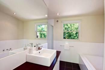 Ithaca House Daylesford Accommodation - Bathroom