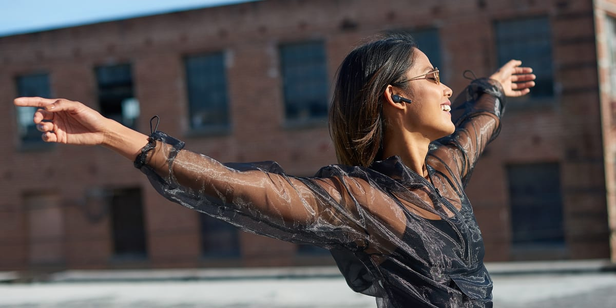 4 reason to go wireless with Skullcandy's Indy earbuds | Sausage Roll