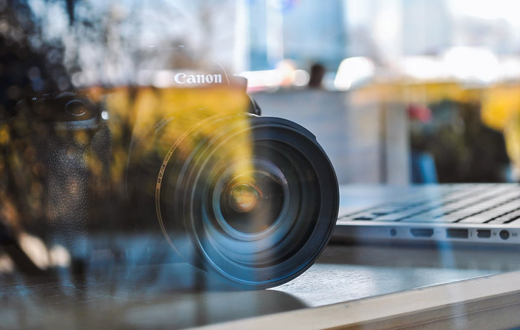 canvas camera photographer