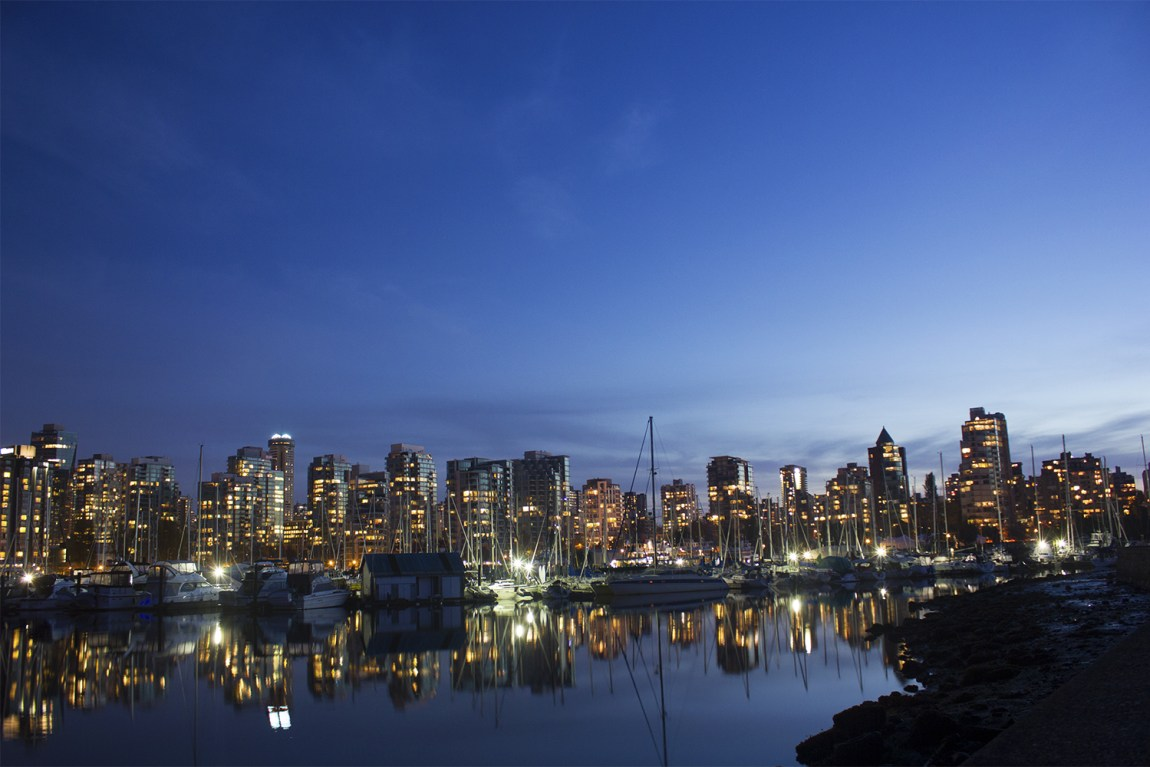 2-Savannah-Rose---Vancouver-Skyline-from-Stanley-Park