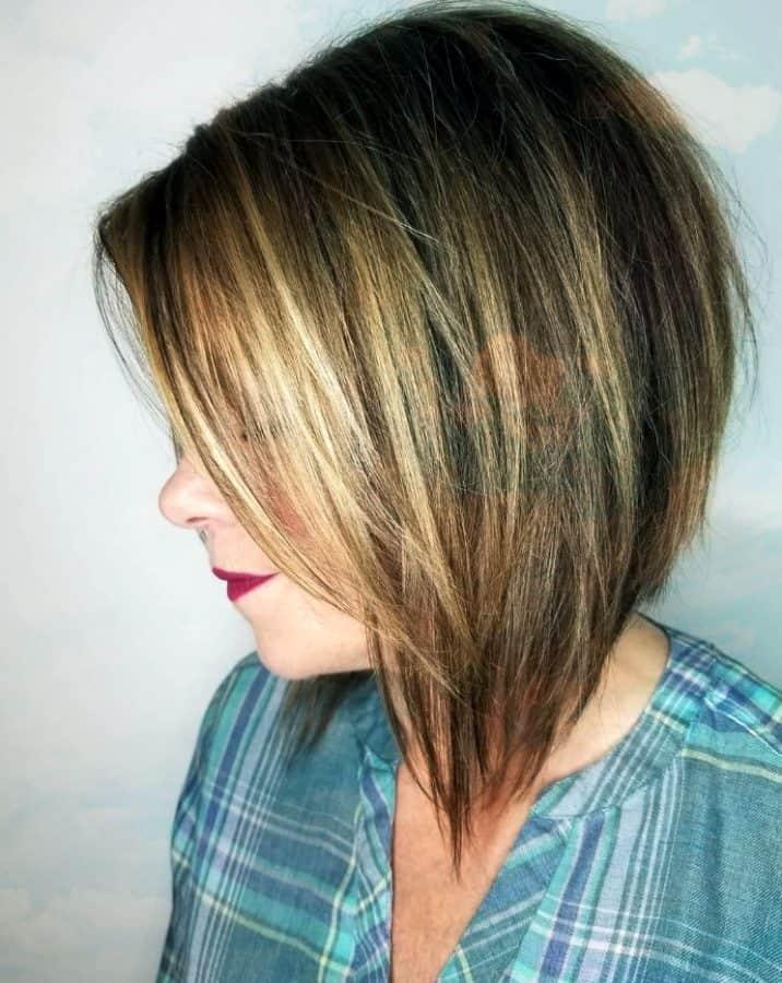 Steil Abgewinkelter Stufig Bob für glattes Haar Gerade Geschichteten Invertierten Bob Haarschnitt