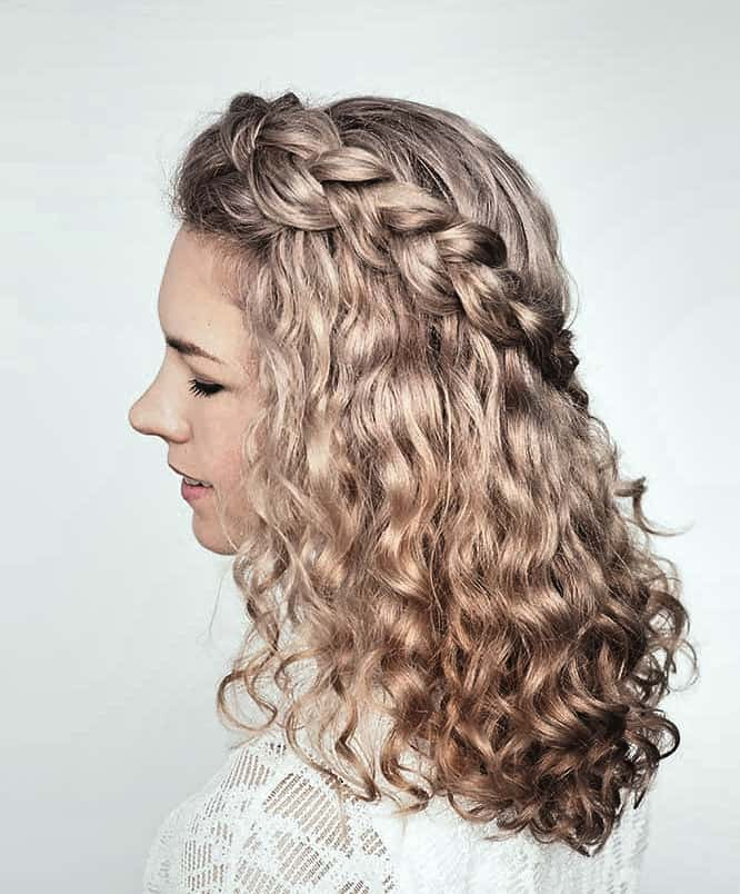 Dirndl Frisuren mit Locken Ideen