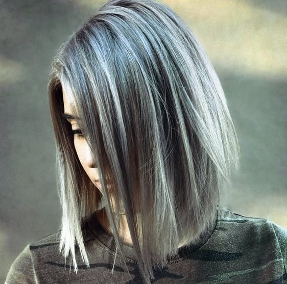 Grau Balayage Langer Bob zum Gerade Haar