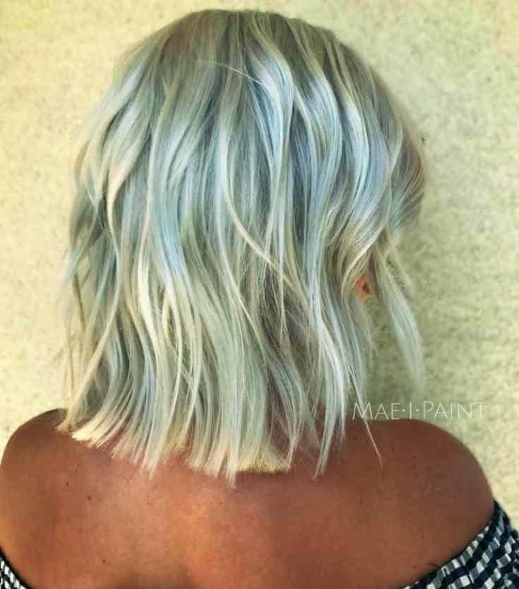 Bilder Frisuren für Dünnes Glattes Haar Ideen Grauer und Platin Bob mit gehackten Enden